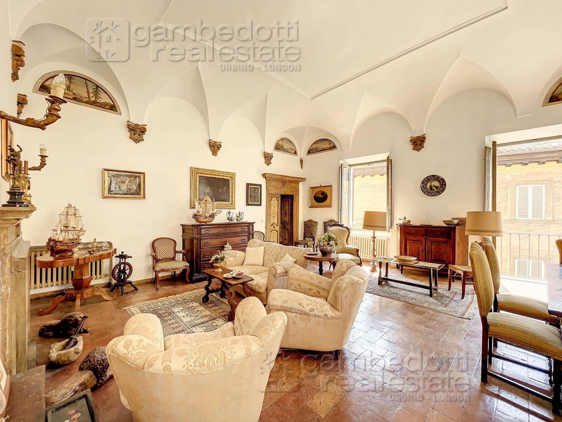 Appartamento in vendita, Urbino centro storico