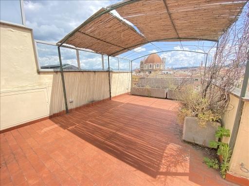 Appartamento con terrazzi, Firenze piazza santa maria novella-piazza ognissanti