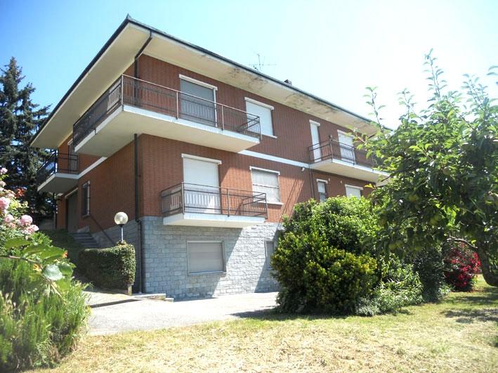 Villa con giardino a Gabiano - 01