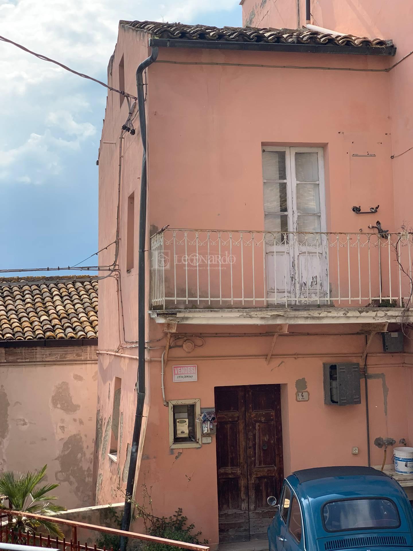 Casa indipendente da ristrutturare, Spinetoli centro storico