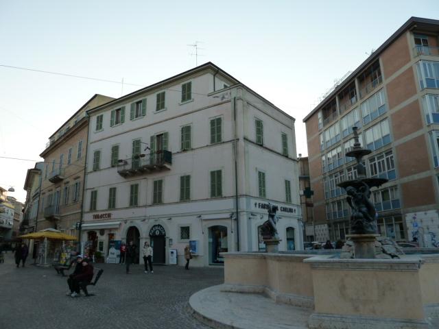 Appartamento con terrazzo a San Benedetto del Tronto - centro - 01