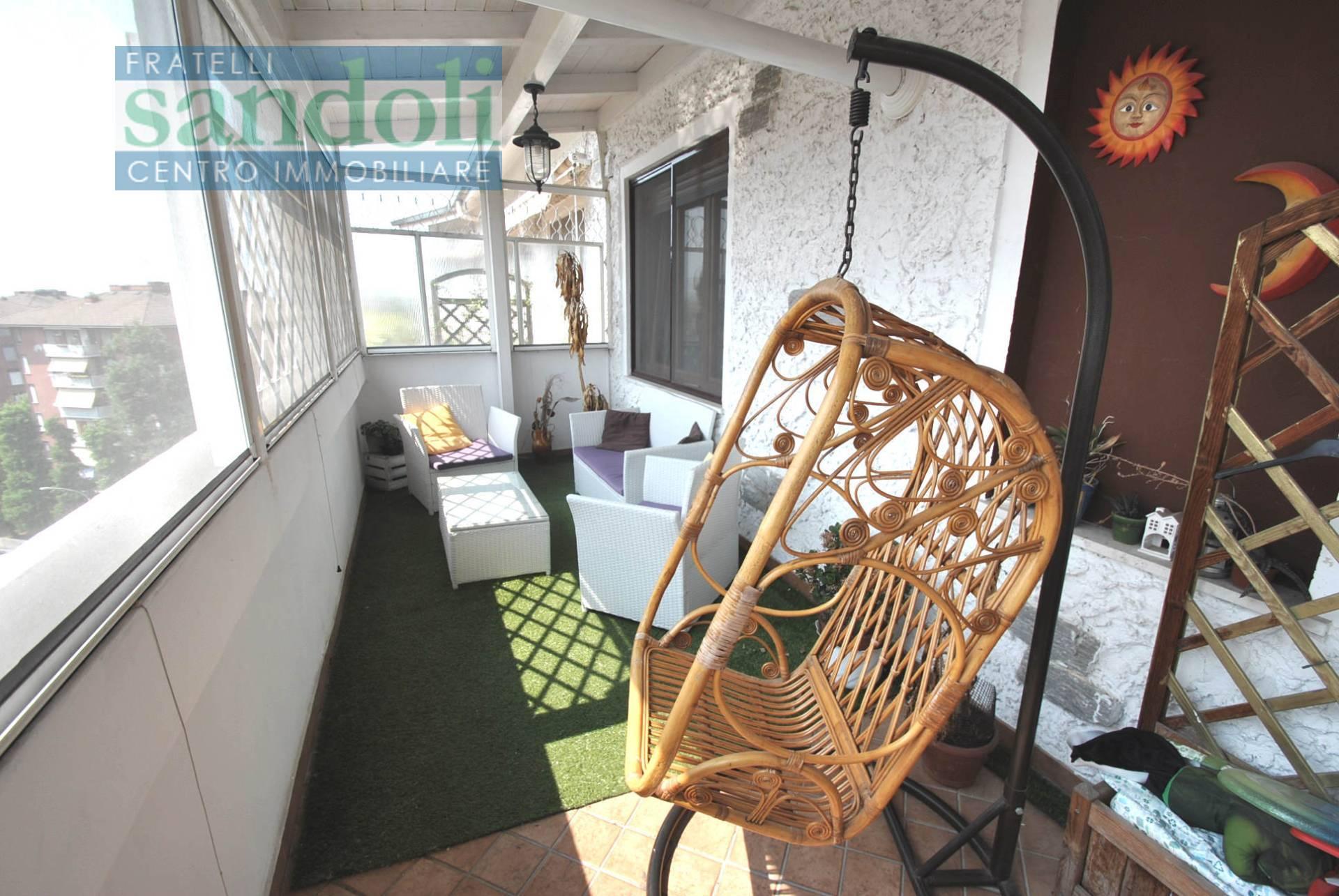 Attico con terrazzo, Vercelli semicentro