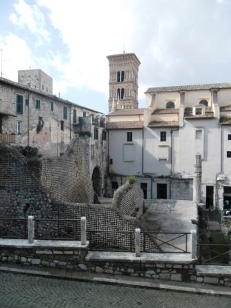 Vende bilocale piazza municipio Terracina - 01