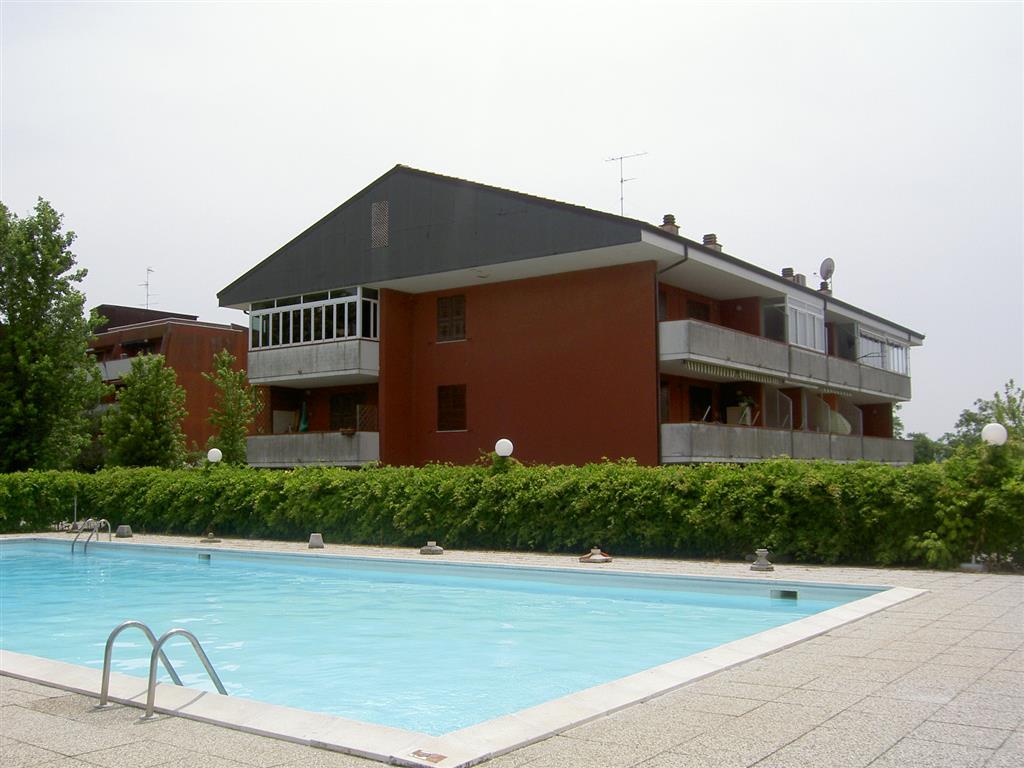 Appartamento Bilocale a Comacchio in via raffaello 128 - lido di spina - 01