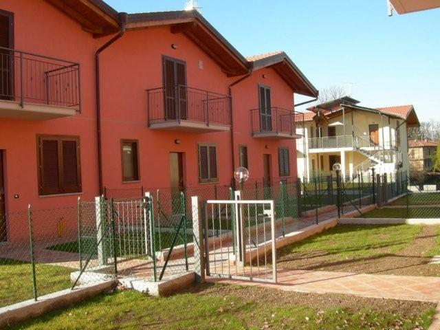Appartamento Bilocale con giardino a Leggiuno - 01
