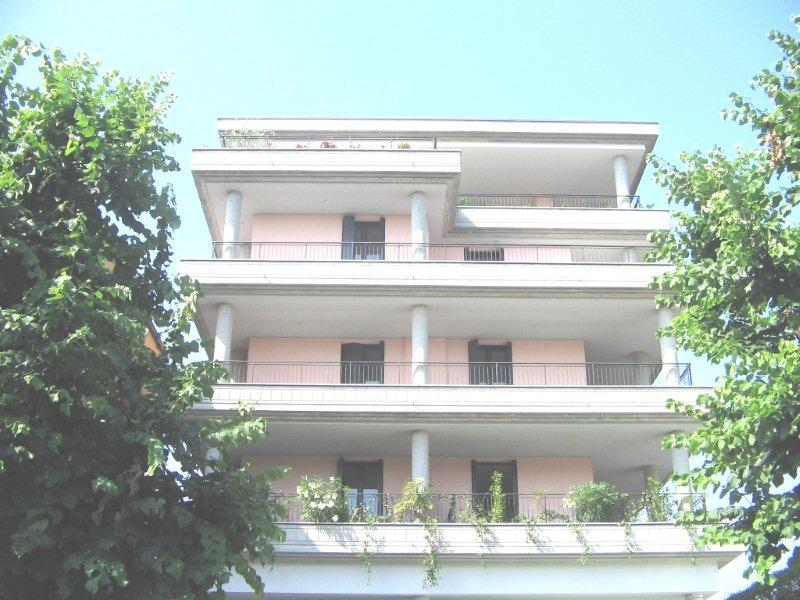 Appartamento Bilocale con terrazzo a Milano - selinunte - 01