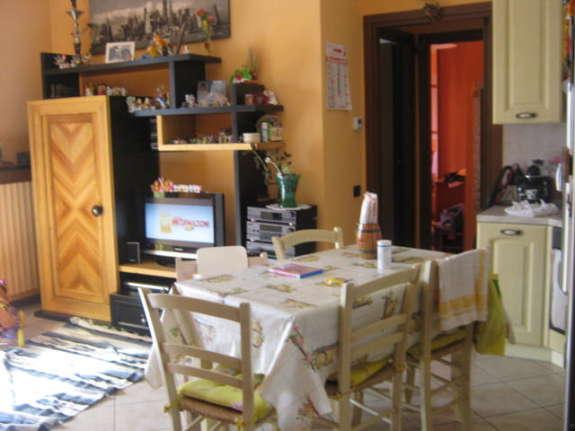 Vende bilocale con giardino a Cinisello Balsamo - 01
