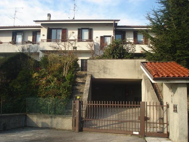Vende villa con giardino a Briosco - 01