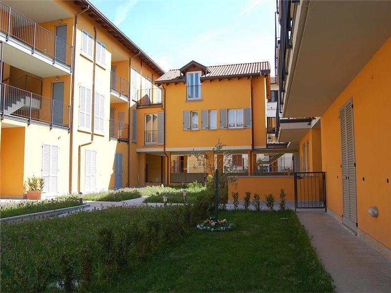 Vendesi appartamento a Bernareggio - 01