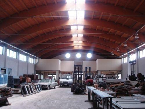 Vendo capannone a Milano - 01