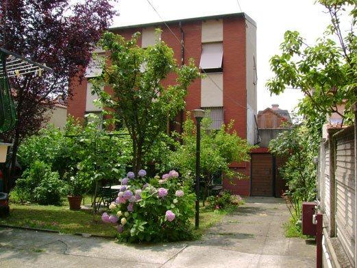 Vendo villa con giardino a Cinisello Balsamo - 01