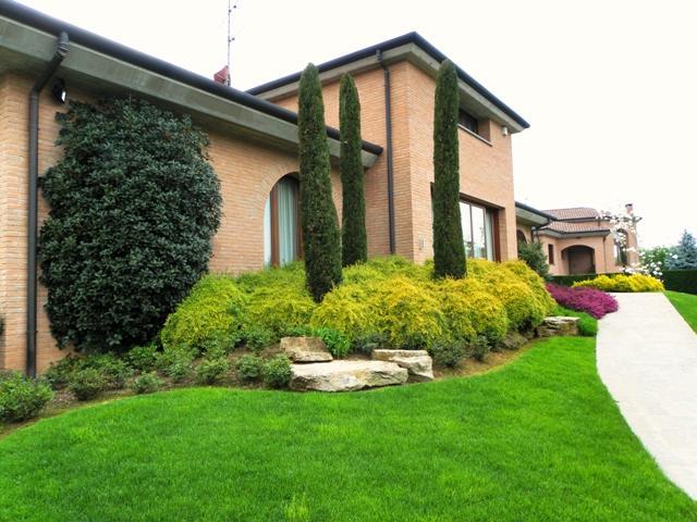 Villa con giardino a Bernareggio - 01