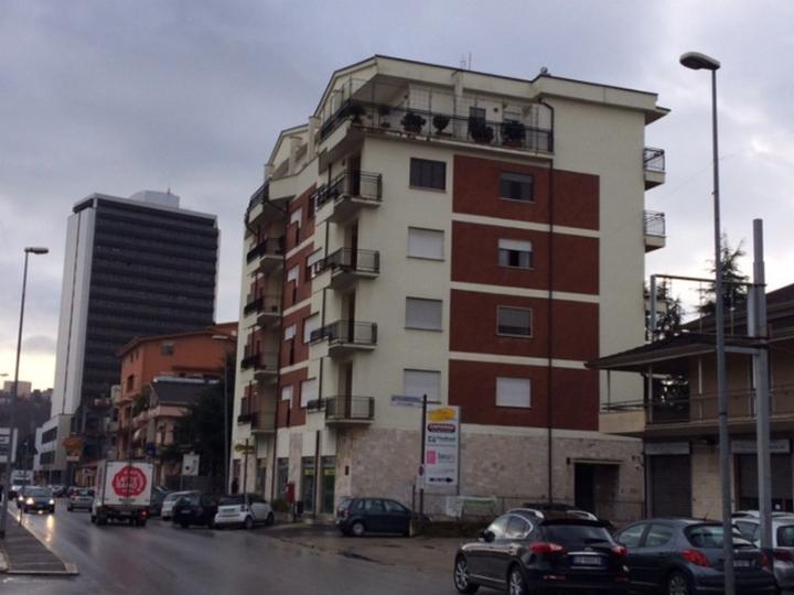 Negozio a Frosinone - villa comunale - 01, Foto
