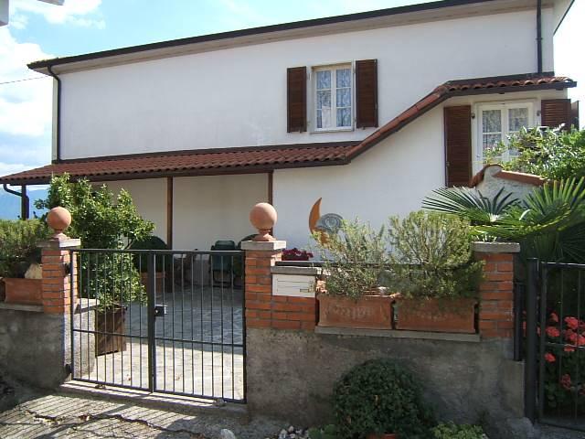 Casa indipendente con giardino a Fivizzano - 01, Foto