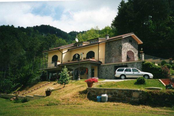 Villa con giardino Riccò del Golfo di Spezia polverara - 01, PORTICATO