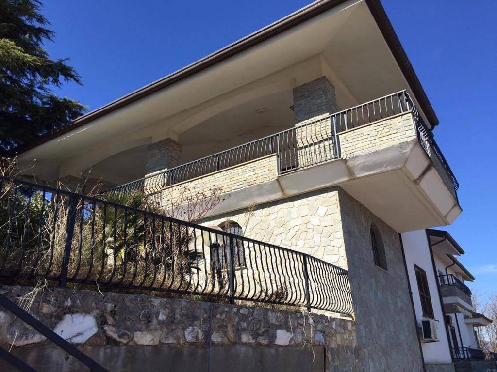 Vendo appartamento con giardino a Cerisano