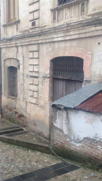Negozio da ristrutturare Cosenza centro storico