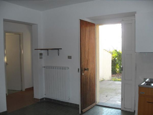 Casa indipendente con giardino a Stroncone - 01, terni casa singola con terreno a stroncone
