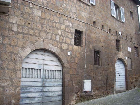 Magazzino da ristrutturare a Tuscania - 01, tuscania magazzino vende