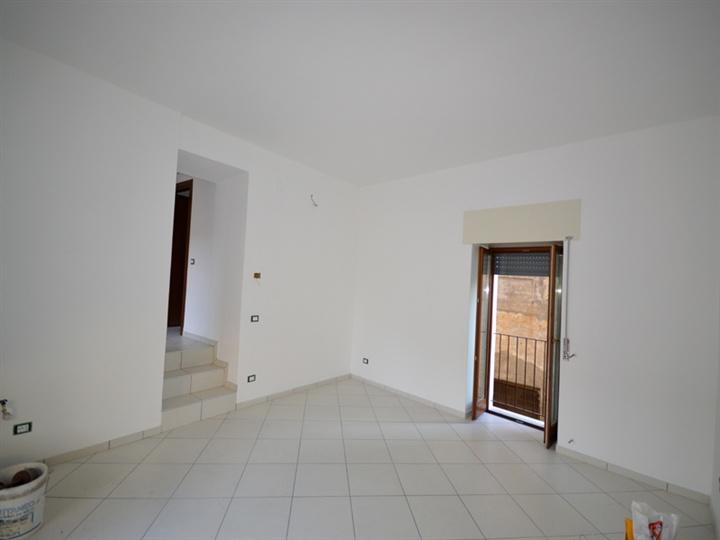 Appartamento Bilocale ristrutturato a Lesa - 01, Foto