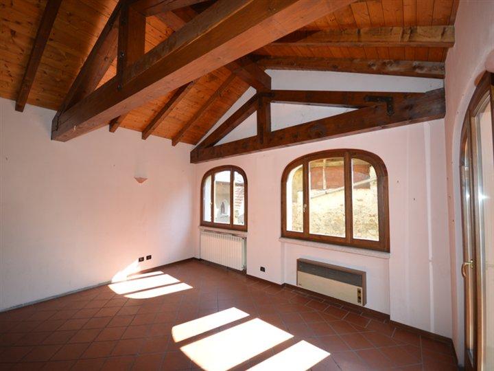 Casa indipendente ristrutturato a Arola - 01, Foto