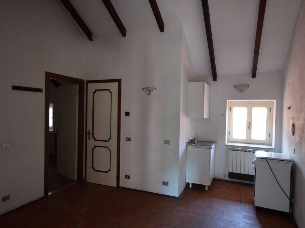 Casa indipendente ristrutturato a Omegna - 01, Foto