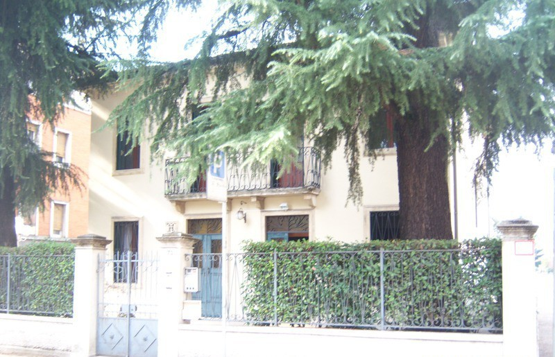 Vende casa indipendente Vicenza