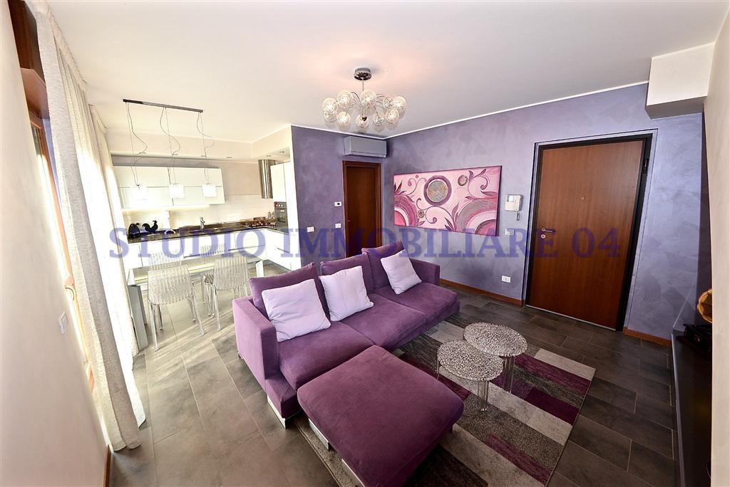 foto 1 di Appartamento con Box in via tito speri Cesano Maderno - Rif. T3