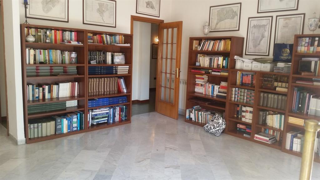 foto 1 di Appartamento con Terrazzo in unità italiana Caserta - Rif. caserta